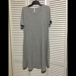 Gray swing dress. Really easy for summer!